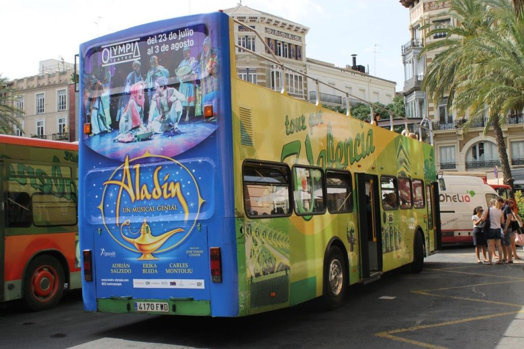 Autobuses publicitarios completos
